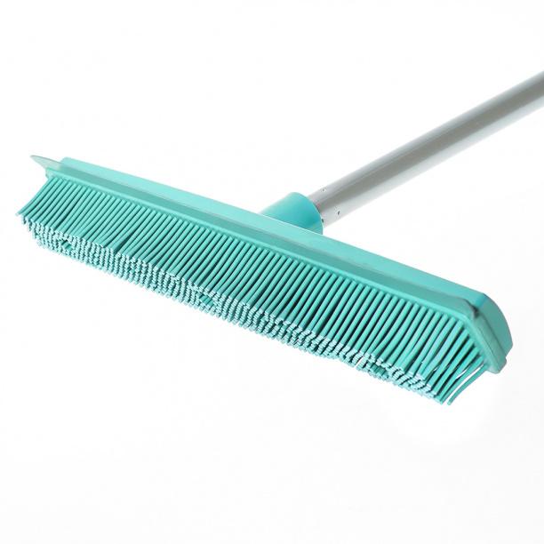 Щетка с резиновой щетиной для уборки